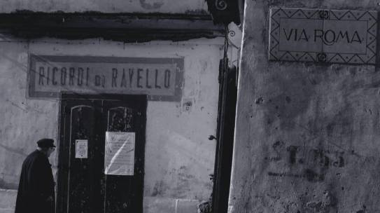 CAPTURING AN ITALIAN MOMENT: Passeggiata
