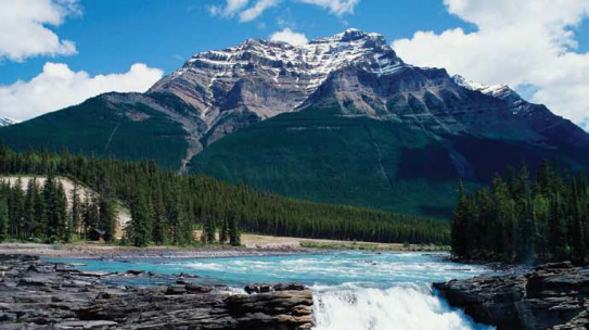 Red, White and Green Space: National Parks in Italy and Canada